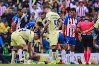 Giovani dos Santos sofre grave lesão em entrada brutal e fica com buraco na perna