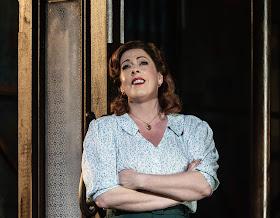 Kurt Weill: Street Scene - Giselle Allen - Opera North (Photo Clive Barda)