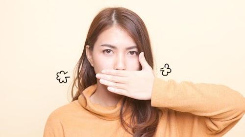 21+ Cara Menghilangkan Bau Mulut Secara Alami dan Permanen