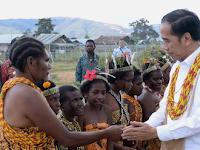 Presiden Joko Widodo Tiba di Pegunungan Arfak