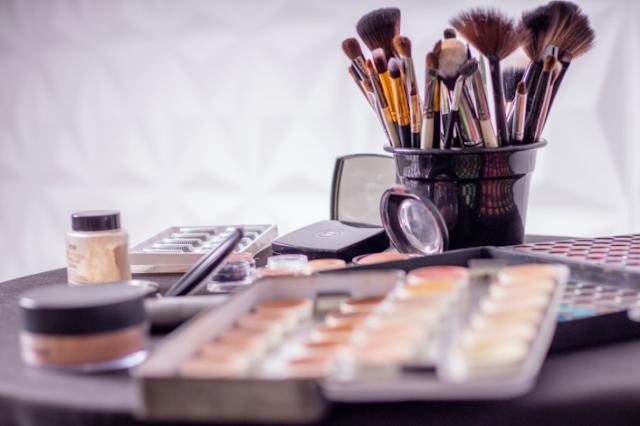 Tips to Using Waterproof Makeup