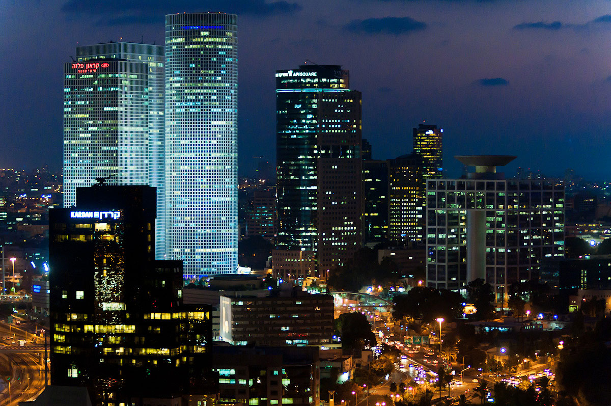 Tel Aviv At Night | Azrieli Towers - TLSpot.com - Tel Aviv Photography & Art