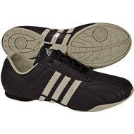 6fdbdede439 En la página http   centrooutlets.com  puedes encontrar el modelo Kundo y Kundo  II de Adidas con descuentos