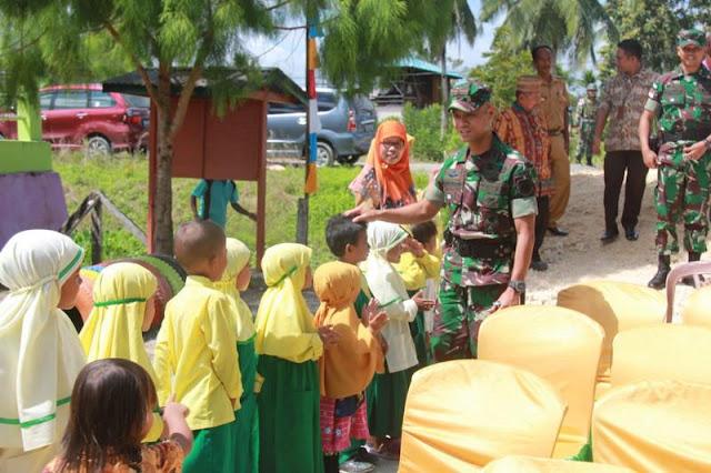 Dansatgas Pamtas Yonif PR 328 Kostrad Resmikan Paud Aisyiyah di Kampung Arso 11 Papua