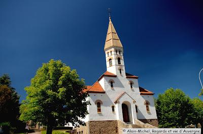 l'Eglise sainte Jeanne d'Arc de saint-Eloy les Mines.Puy de Dôme.