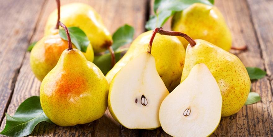 frutas-típicas-do-verão-pera