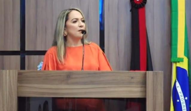 Vereadora Tide Eduardo é eleita Presidente Câmara Municipal de Patos no biênio 2021/2022