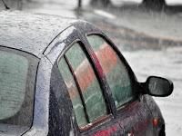 4 Aksesori Mobil yang Bermanfaat di Musim Hujan, Apa Saja?