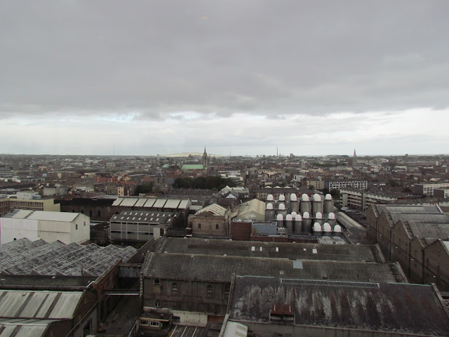 Vista de Dublin no Gravity Bar, no terraço da Cervejaria Guinness.