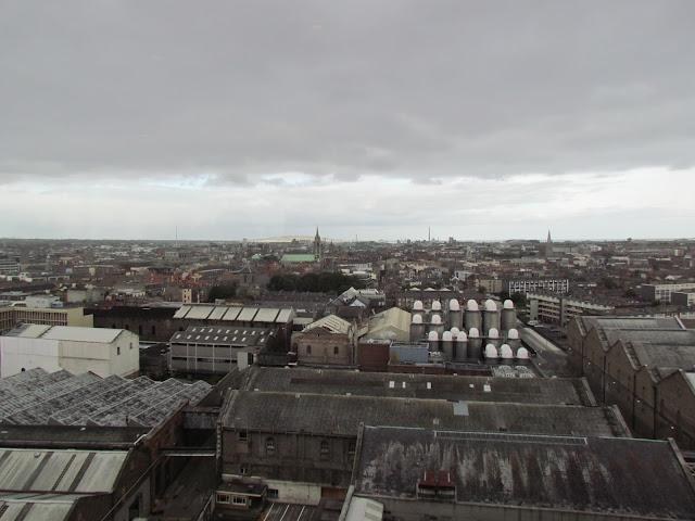 Vista de Dublin no Gravity Bar, no terraço da Cervejaria Guinness.
