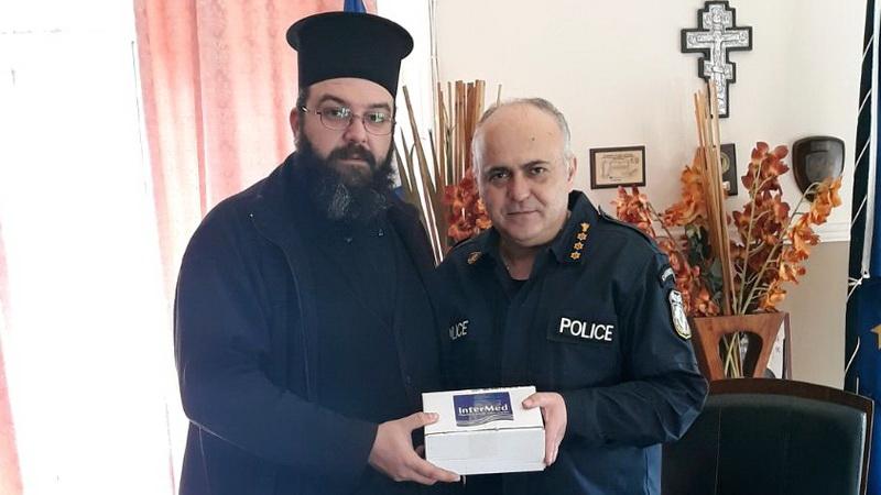 Δωρεά αντισηπτικών από την ΑΠΟΣΤΟΛΗ και τον ΜΑΣΟΥΤΗ στην Αστυνομική Διεύθυνση Αλεξανδρούπολης