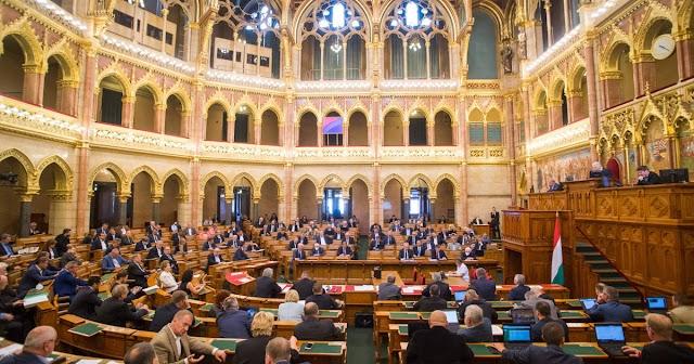 A veszélyhelyzet megszüntetéséről szavaznak a képviselők