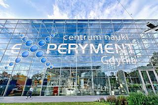 Opis wizyty w Centrum Nauki Experyment w Gdyni, atrakcyjne wakacje z dzieckiem