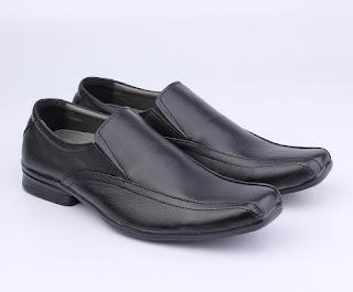 Sepatu kerja pria trendy 2017,gambar sepatu pegawai bank,grosir sepatu kerja murah,grosir sepatu kantor kulit murah,koleksi sepatu kerja tnap tali,toko sepatu kerja online murah,