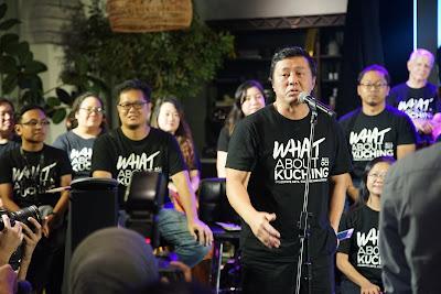 Donald Tan saat melaunching kalender even What About Kuching 2019