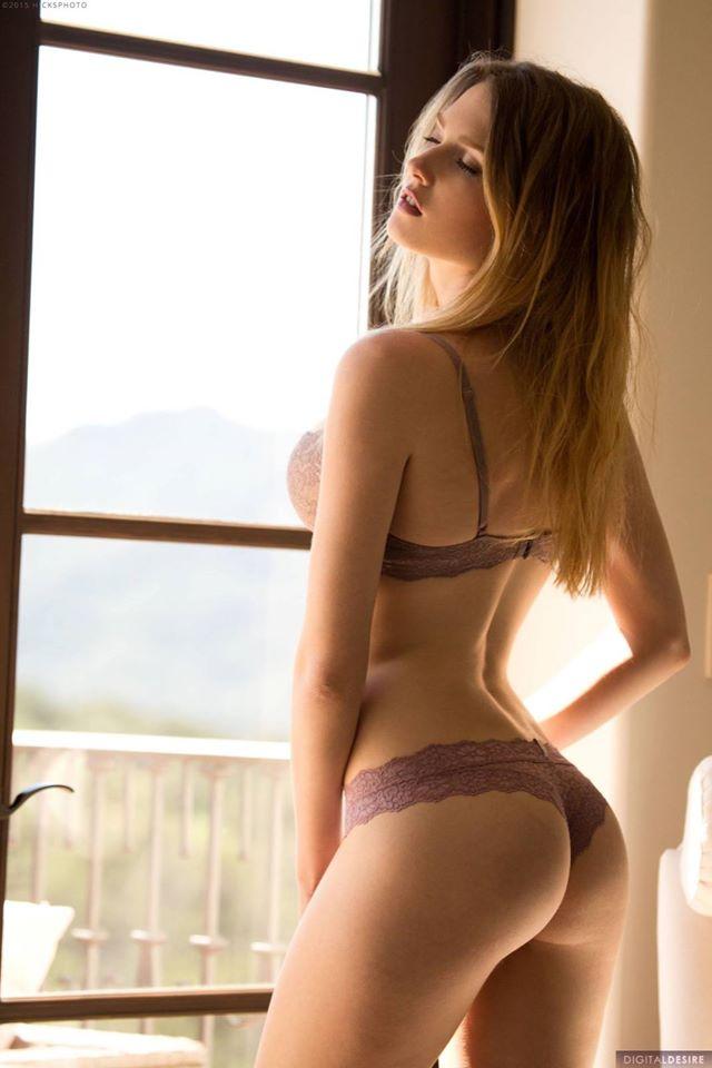 hot asian girls bikini pics collection 03