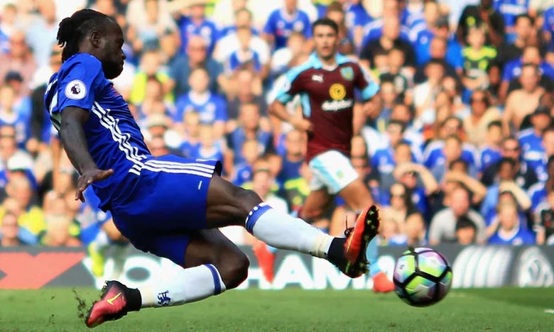 [EPL] Chelsea 3 - Burnley 0: Victor Moses scores first season goal