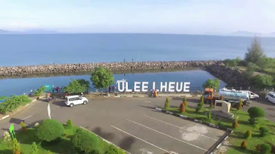 pantai ulee lheue kota banda aceh aceh