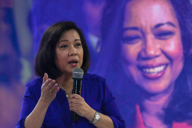 Lawyers know best! Law experts back Supreme Court decision to oust Lourdes Sereno
