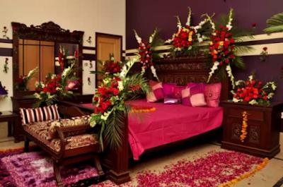 Kamar Pengantin Dengan Sudut Bunga