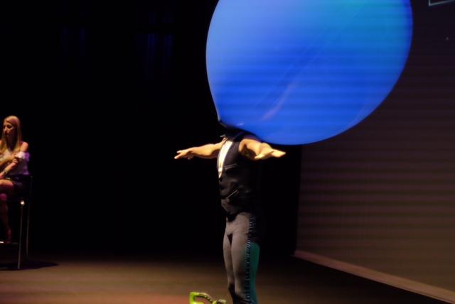 Atração Mr. Balão de Humor e Circo Produtora para abertura de convenção de vendas da Part Club, Teatro Porto Seguro SP.