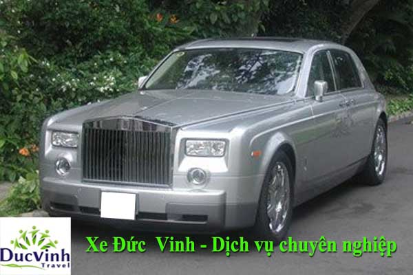 cho-thue-xe-cuoi-rolls-royce-phantom-mui-tran-hang-sang