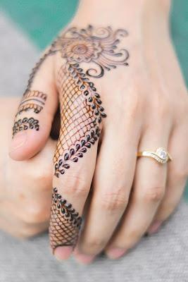 criss cross mehndi designs for children's hand