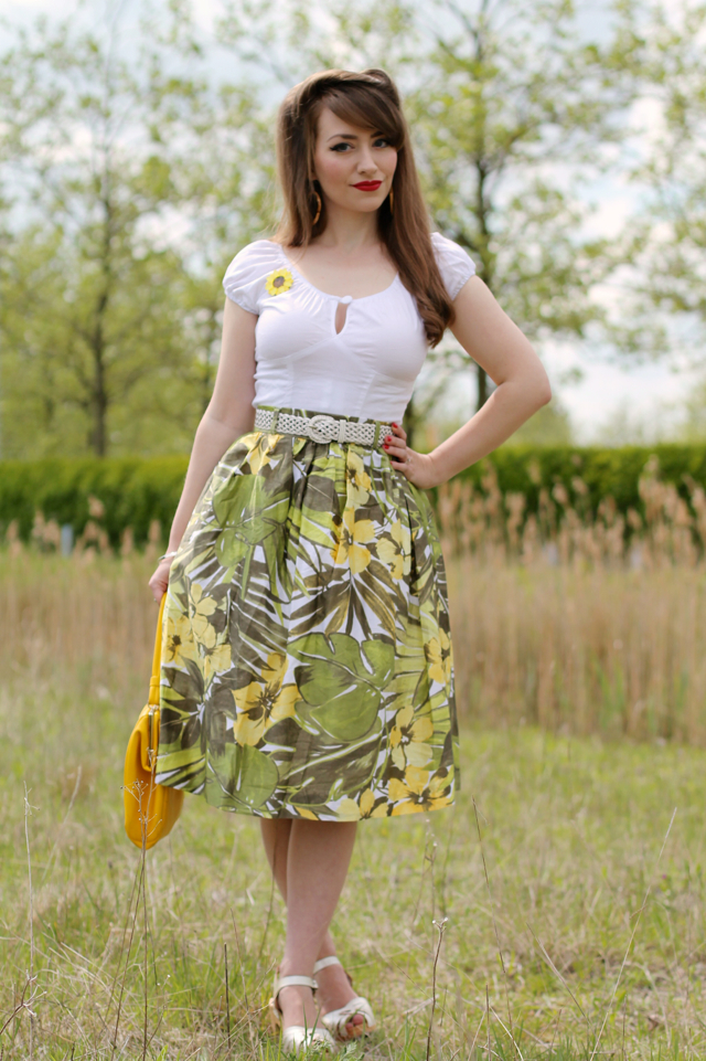 Summery vintage inspired outfit with Erstwilder Sumptuous Sunflower brooch