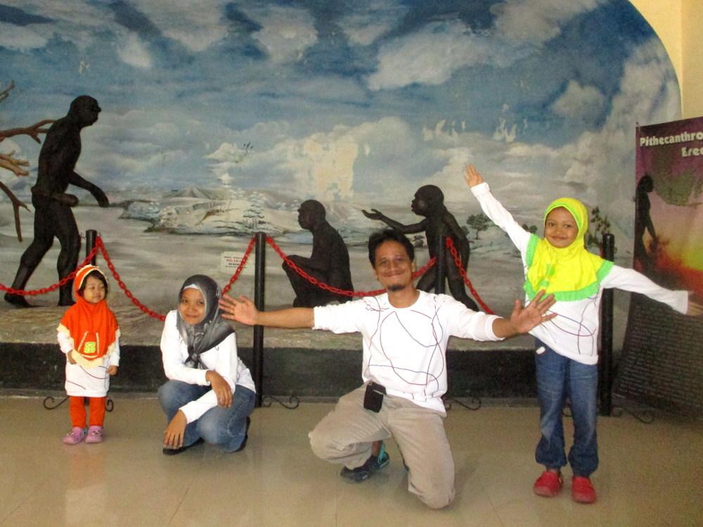 Eksplorasi Museum Trinil Ngawi