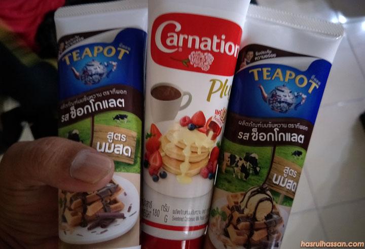 Krimer Teapot dan Carnation dalam Tiub Mudah Bawa