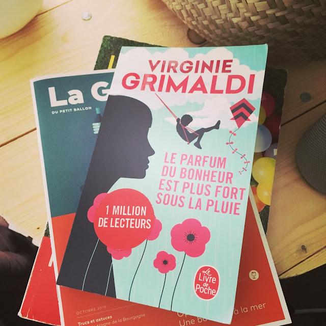 Chronique littéraire Le parfum du bonheur est plus fort sous la pluie par Mally's Books