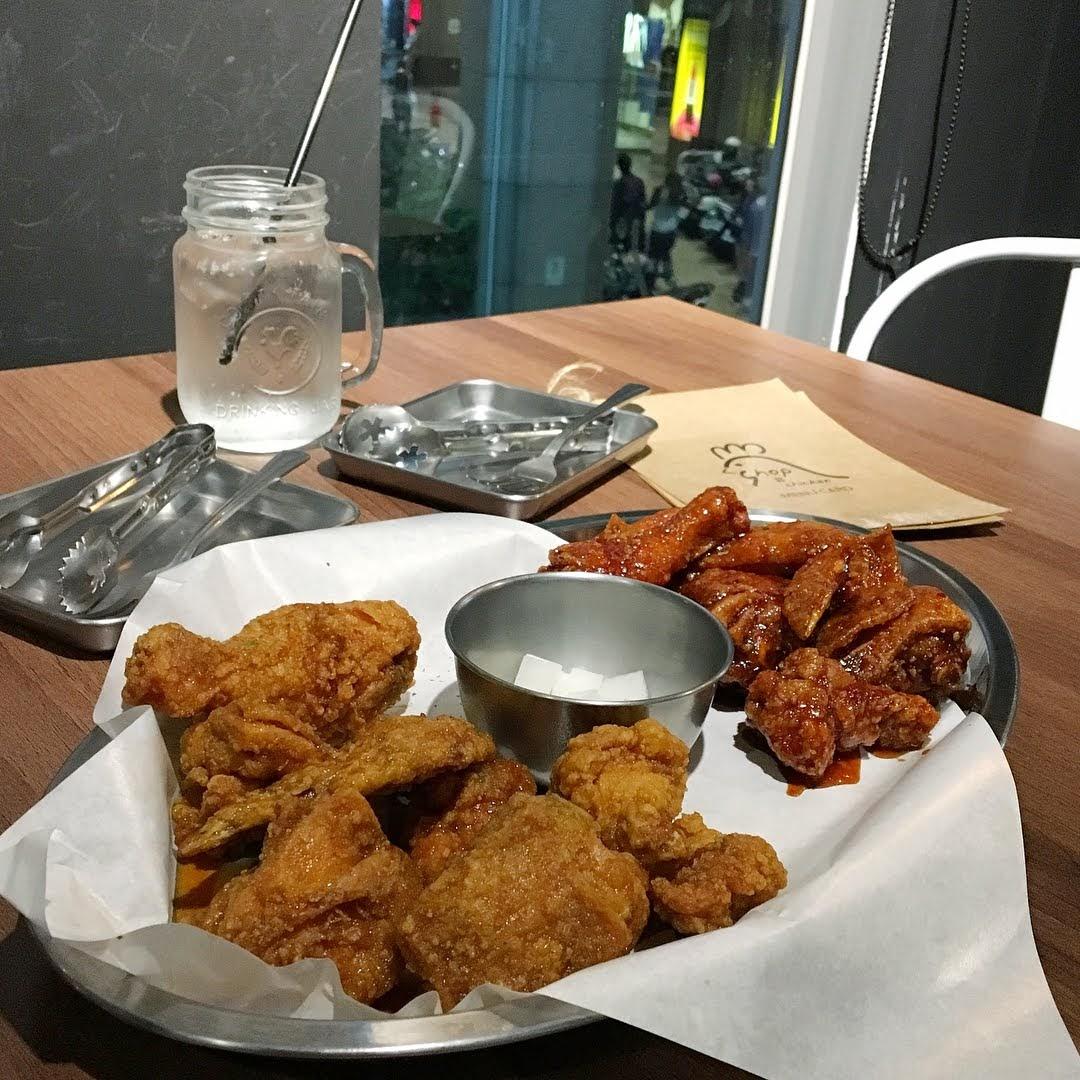 韓國炸雞專賣店Chicken shop餐點,半半炸雞餐含醬油及辣醬口味