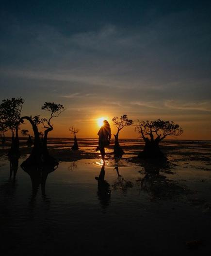 Sunset dari Sumba Timur Pantai Walakiri, Salah Satu Pantai Terindah di Sumba Timur
