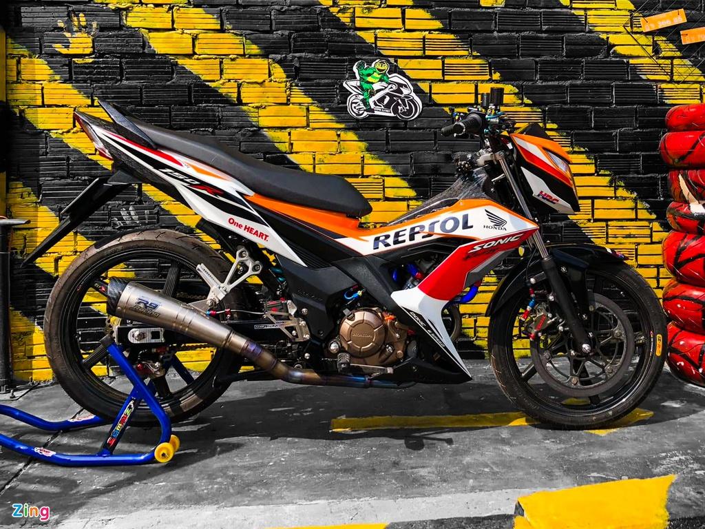 Honda Sonic bản độ hơn 200 triệu đồng của biker miền Tây