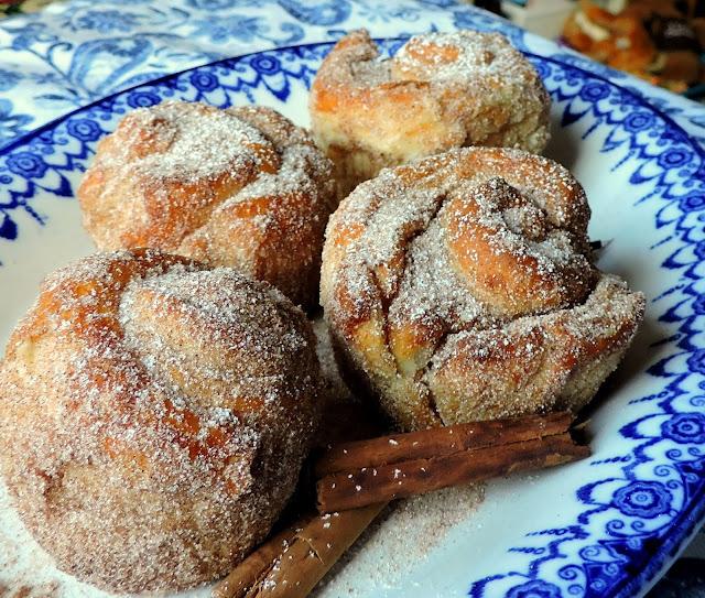 Easy Cinnamon Sugar Cruffins