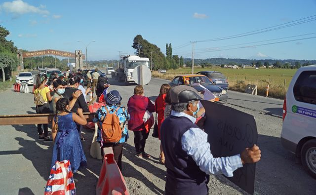 Manifestación en Ruta 215
