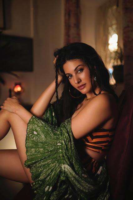 Film Actress Amyra Dastur New Hot Stills Actress Trend