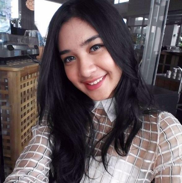 Biodata Mikha Tambayong
