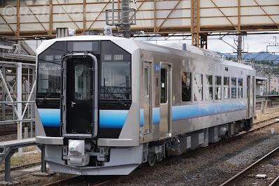 小川町駅留置中のGV-E400系