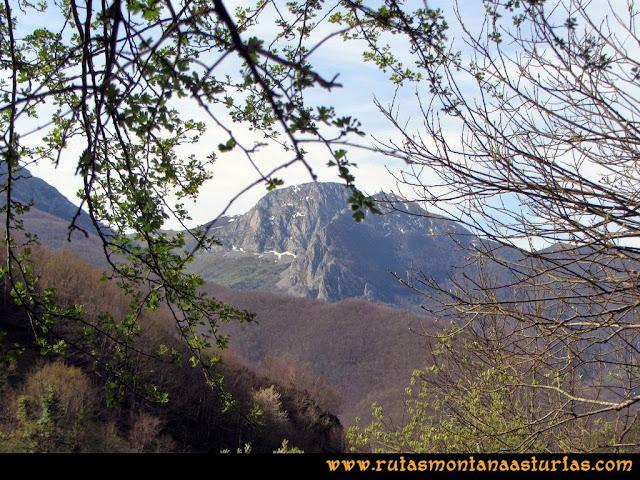 Ruta Retriñon: Vista de Peña Redonda