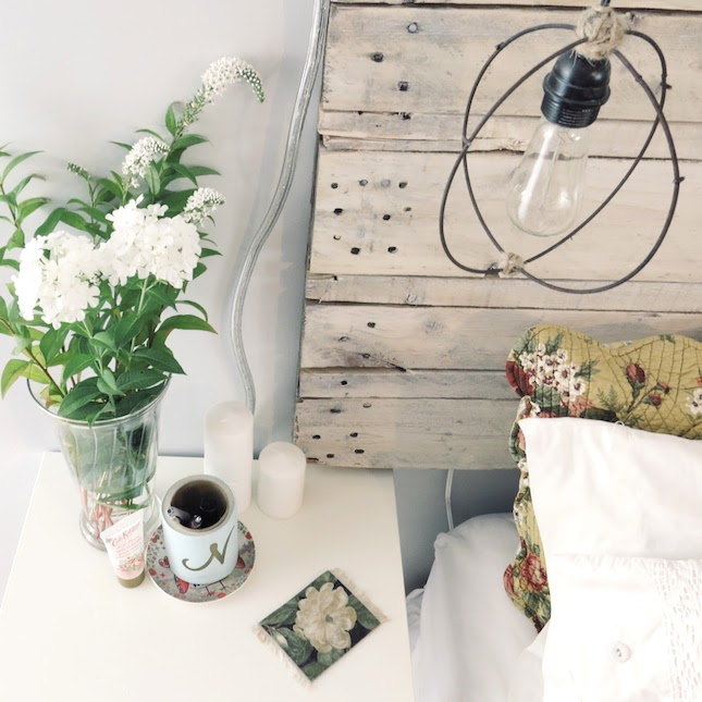 How to build an easy pallet headboard