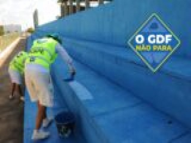 O Centro Olímpico do Recanto das Emas ganha limpeza e pintura nova