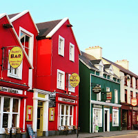 Pictures of Ireland: Colorful buildings in Dingle Town