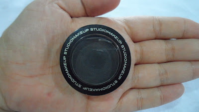 studio-make-up-soft-blend-eyeshadow-very-black