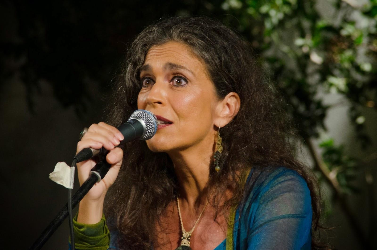 δέντρο μοναχό  Κριτικές Συναυλιών X  Σαβίνα Γιαννάτου   Primavera En ... df99e78bccd