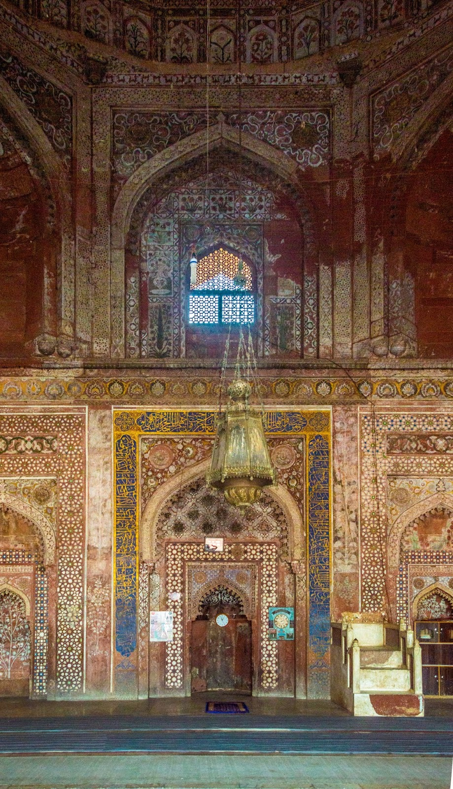Ornately painted main Hall of Jama Masjid
