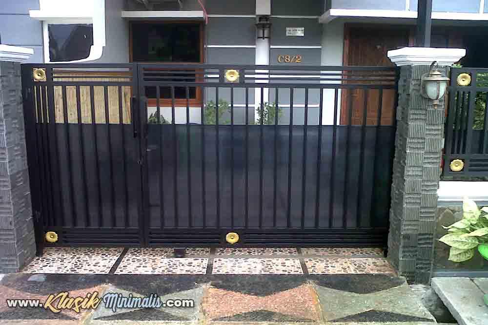 √ 22+ Contoh Model Pagar Rumah Minimalis Besi Dan Kayu Terbaru - Klasik  Minimalis