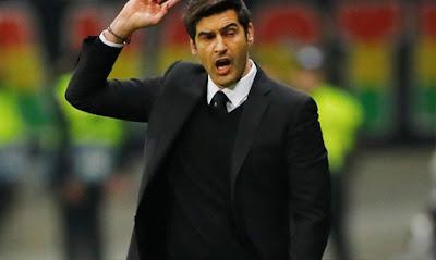 مدرب روما يكافح من أجل تخيل كرة القدم بدون عناق