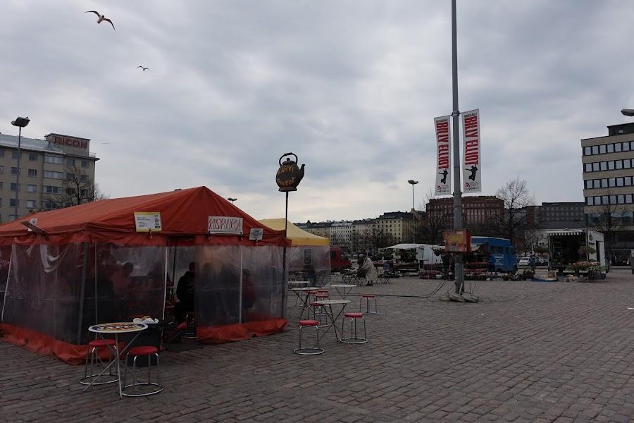 ハカニエミ マーケット広場(Hakaniementori)