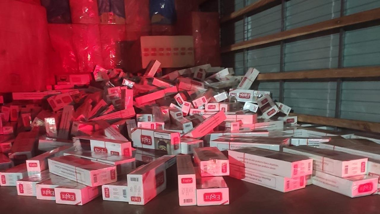 TOR apreende 300 mil maços de cigarros contrabandeados em Igaraçu do Tietê